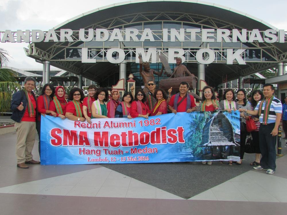 "Reuni Alumni 1982 ""SMA Methodist Medan"" - LOmbok May 2016"